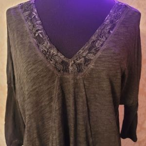 DKNY Jeans Lace V-Neck 3/4 Sleeve Top (XL)